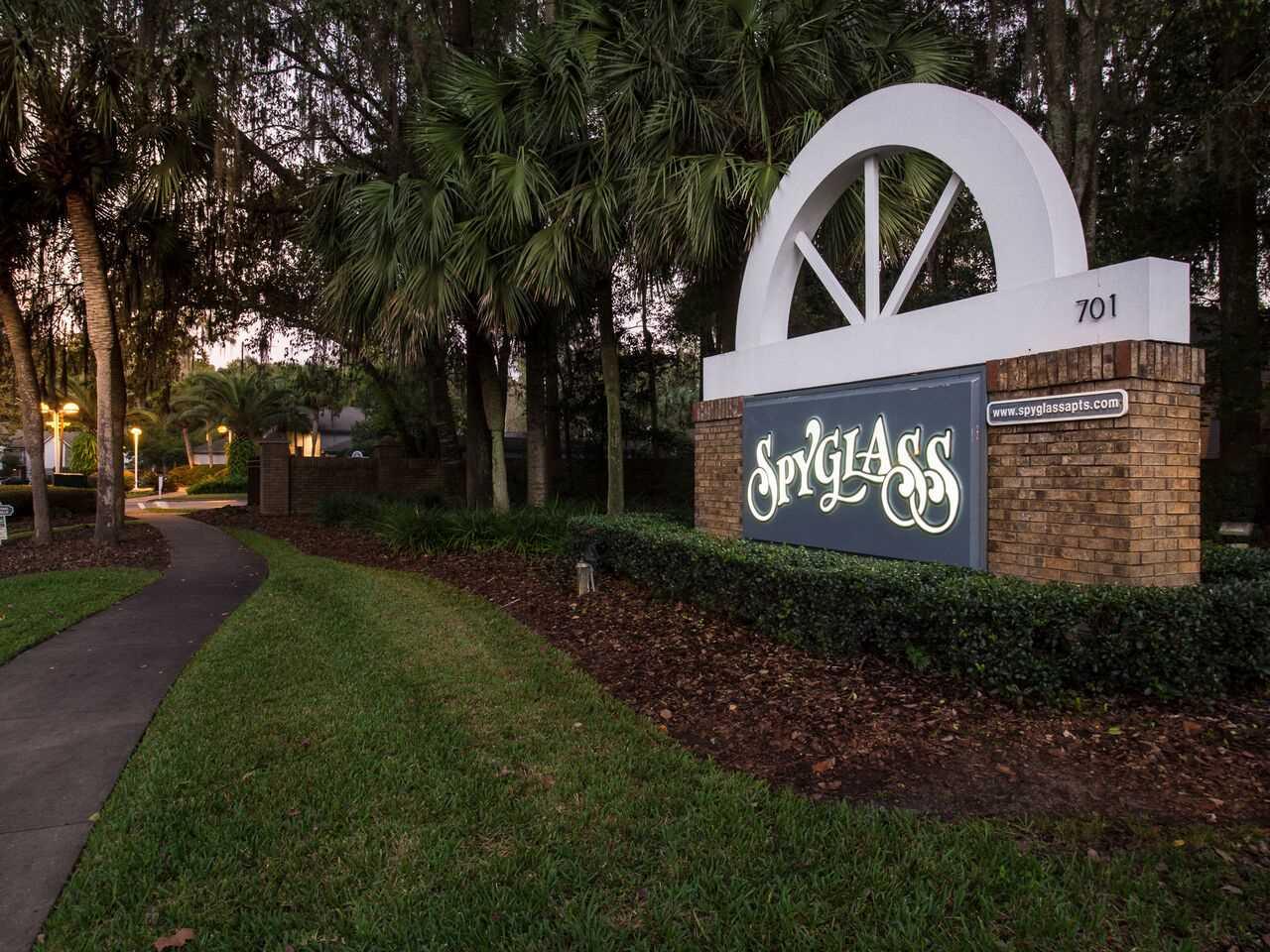 Spyglass road sign